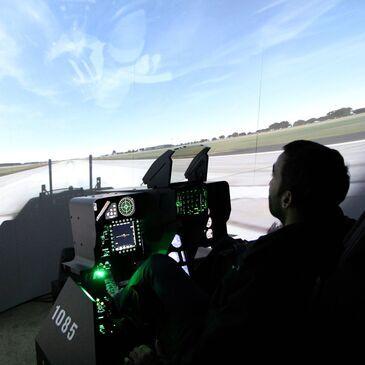 Simulateur de Vol en Avion de Chasse F16 près de Toulouse