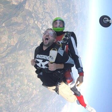 Saut en parachute près d'Aix-en-Provence