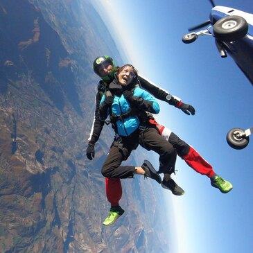 Saut en parachute en région PACA et Corse