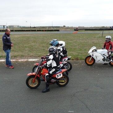 Stage de Pilotage pour Enfant en région Pays-de-la-Loire