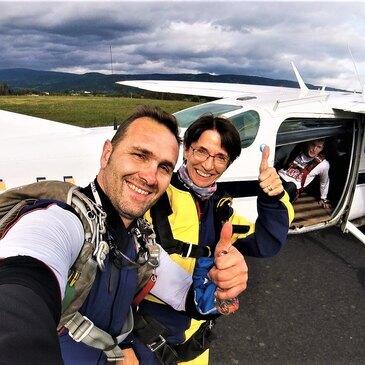 Aérodrome Le Puy-Loudes, à 1h15 de Saint-Etienne, Loire (42) - Saut en parachute