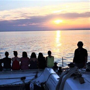 Sortie Privative en Catamaran de Course à Port-Camargue en région Languedoc-Roussillon