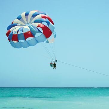 Parachute Ascensionnel à Hyères - Presqu'île de Giens