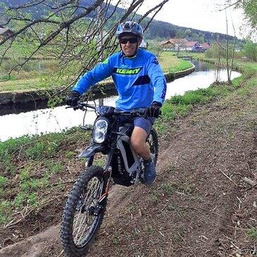 Randonnée en Moto Électrique près d'Épinal
