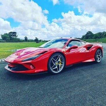 Baptême en Ferrari F8 Tributo sur le Circuit de Mérignac