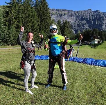 Saut Parachute depuis un Hélicoptère près d'Annemasse en région Rhône-Alpes
