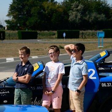 Stage de Pilotage Enfant en Porsche Boxster à Poitiers en région Poitou-Charentes