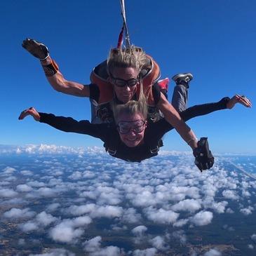Saut en Parachute Tandem près de Lacanau