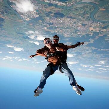 Saut en Parachute Tandem à Chalon-sur-Saône en région Bourgogne