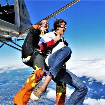 Saut en Parachute Tandem près de Roanne