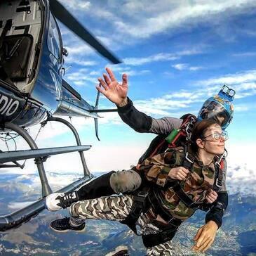 Saut en parachute en région Suisse