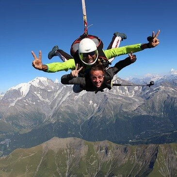 Saut en parachute proche Viuz-en-Sallaz, à 30 min de Genève