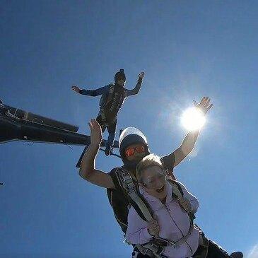 Saut en Parachute depuis un Hélicoptère près de Genève en région Suisse