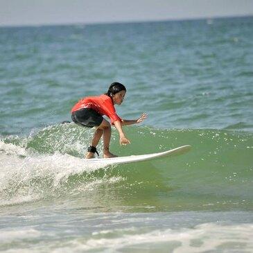 Initiation au Surf à La Palmyre près de Royan en région Poitou-Charentes