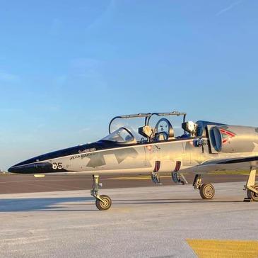 Initiation au Pilotage d'Avion de Chasse à Carcassonne en région Languedoc-Roussillon