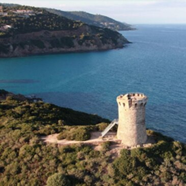 Plage de Favone, à 10 min de Solenzara, Corse du Sud (2A) - Surf et Sport de Glisse