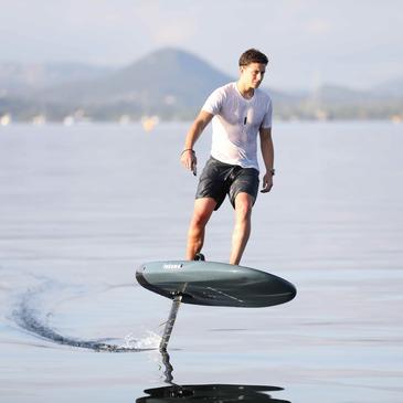 Lac de Saint-Cassien, Var (83) - Surf et Sport de Glisse