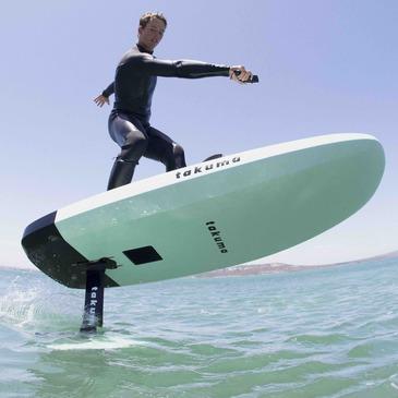 Initiation au Surf Electrique à Foil au Lac de Saint-Cassien en région Provence-Alpes-Côte d'Azur et Corse