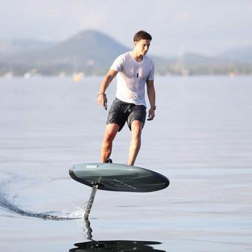 Initiation au Surf Electrique à Foil à Mandelieu