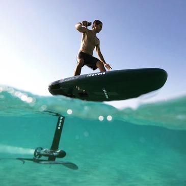 Initiation au Surf Electrique à Foil à Hyères - Porquerolles