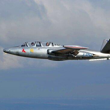 Vol en Avion de Chasse Fouga à Abbeville - Baie de Somme en région Picardie