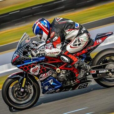 Stage de Pilotage Moto Roadster - Circuit Carole