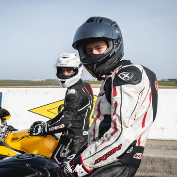 Stage de pilotage moto proche Circuit Carole