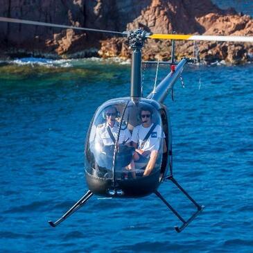 Vol d'Initiation au Pilotage d'Hélicoptère à Cannes