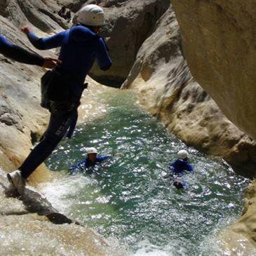 Descente Sportive du Canyon du Riolan près de Nice