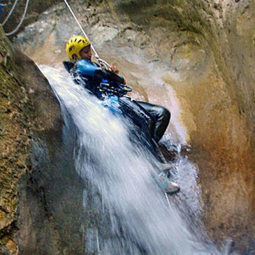 Descente Sportive du Canyon de la Maglia près de Menton