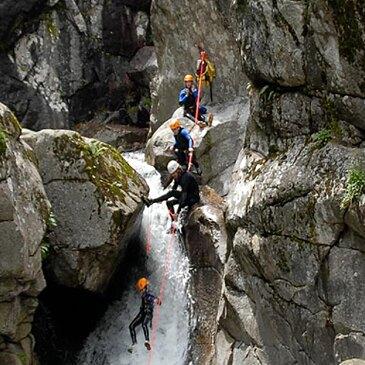 Descente du Canyon du Tapoul près de Millau